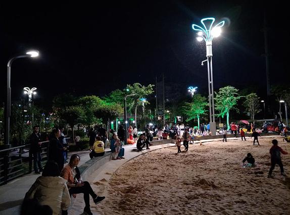 这个公园的智慧路灯,不只是广场舞大妈的福音